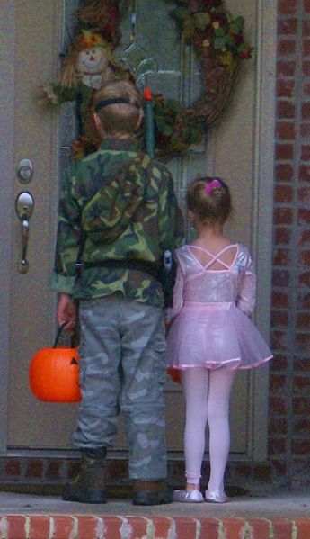 Trick-or-treating at the first house.  Photograph 31 October 2007 by Belinda Hankins Miller.