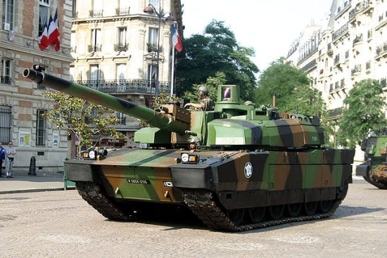 A Leclerc-IMG 1744 battle tank, photographed by Rana.