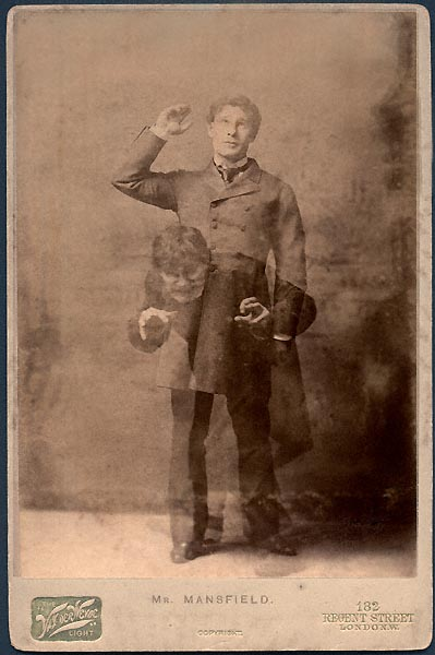 Photo in 1887 of the actor Richard Mansfield, by Henry Van der Weyde (1838-1924; London,